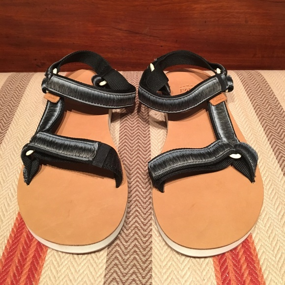791a27241 Women s Teva Original Universal Leather Sandal. M 5adce871daa8f631a462afad
